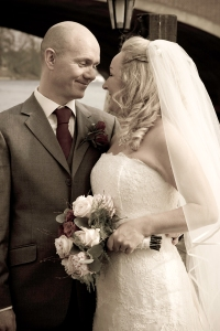 Bride, groom, Hampton, The Mitre, Wedding flowers, bouquet, debbie lias, photography